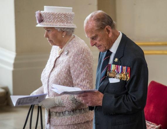 המלכה אליזבת' והנסיך פיליפ