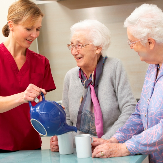 טיפול בקשישים