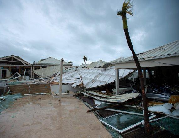 הוריקן 'אירמה' מכה בחופי האי סן מרטין