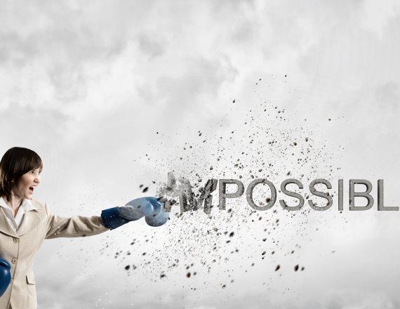 אישה ושלט - בלתי אפשרי