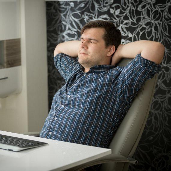 עייפות מול המחשב