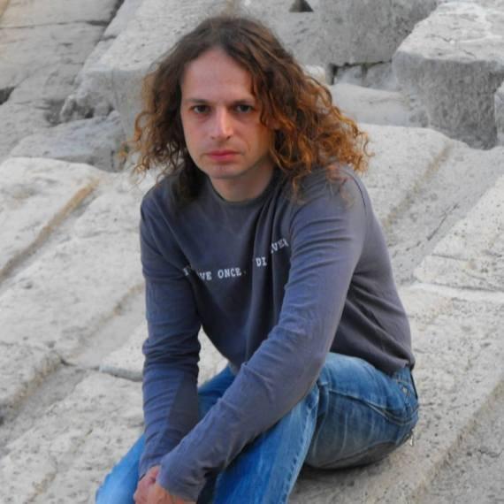 אמיר חצרוני