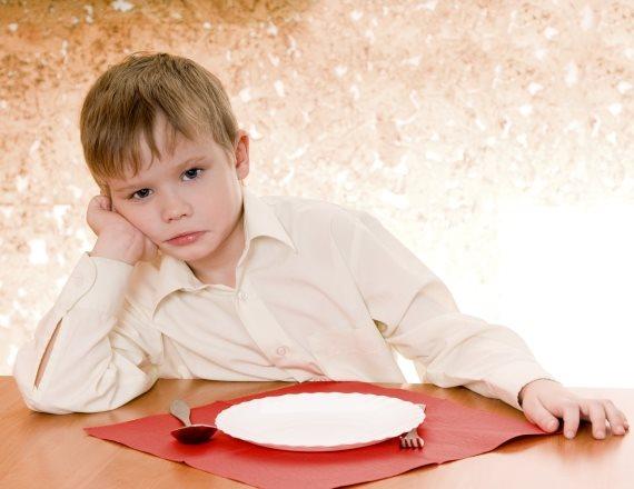 ילד שאין לו מה לאכול