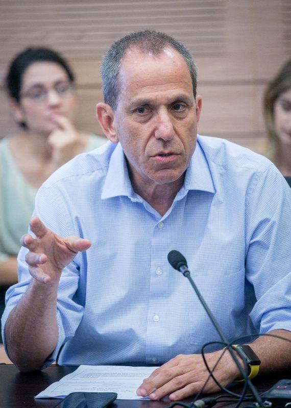 ראש הרשות לניירות ערך שמואל האוזר
