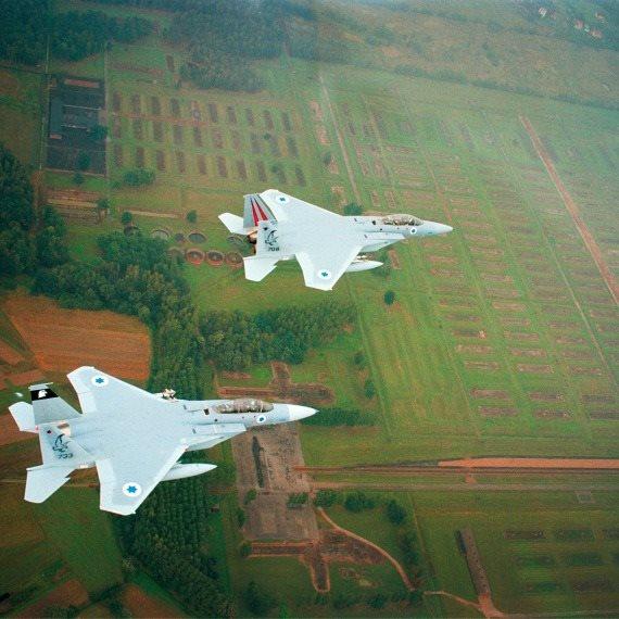 מטוס חיל האוויר אושוויץ