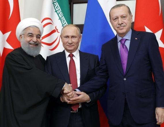 נשיא רוסיה ולדימיר פוטין, נשיא איראן חסן רוחאני ונשיא טורקיה רג'פ ארדואן