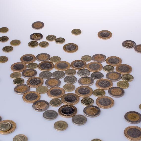 מטבעות כסף בצורת לב