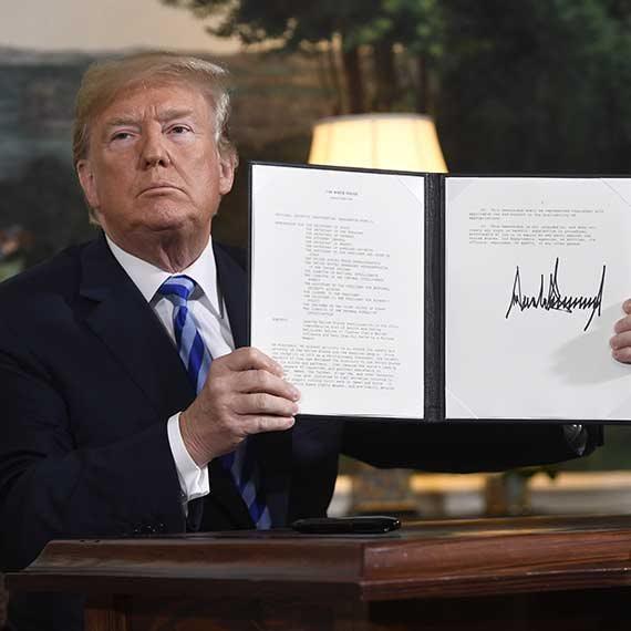 טראמפ חתימה על ביטול הסכם הגרעין