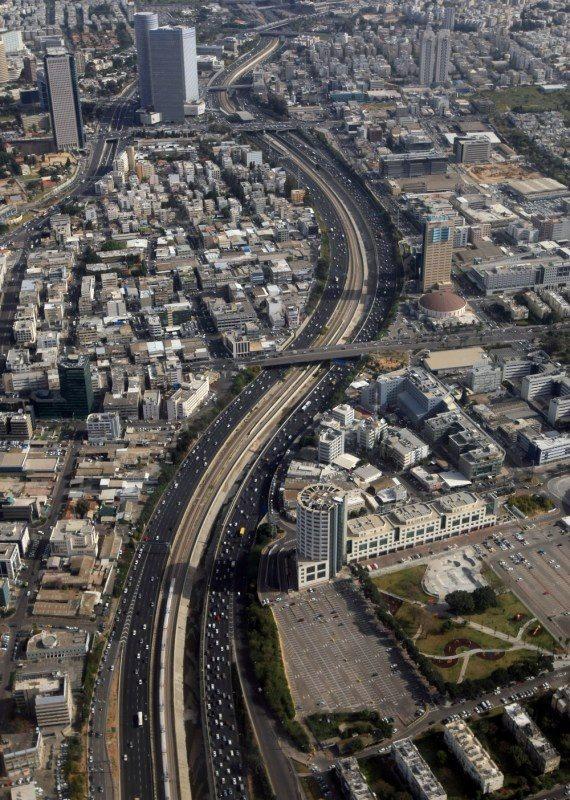 צילום מהשמיים של העיר תל אביב-יפו