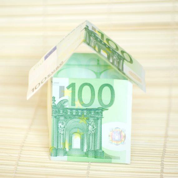 בית עשוי שטרות כסף