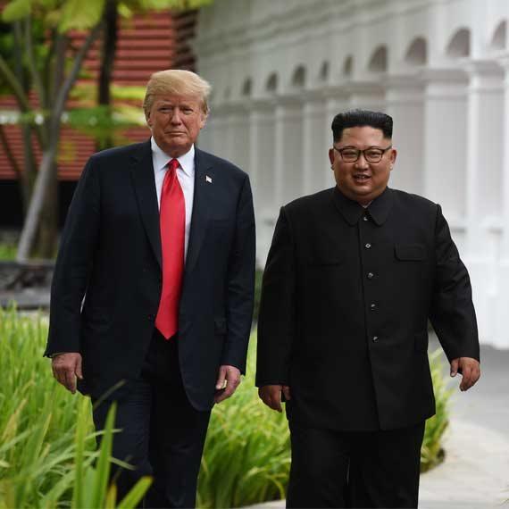 """נשיא ארה""""ב דונלד טראמפ ומנהיג קוריאה הצפונית קים ג'ונג און"""