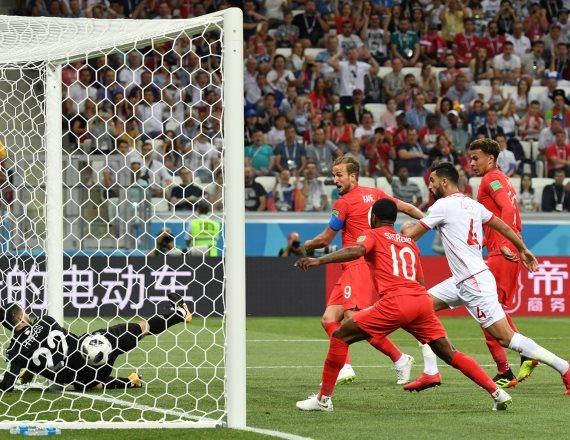 נבחרת אנגליה ונבחרת טוניסיה במונדיאל