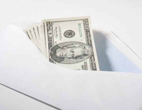 מעטפה עם כסף