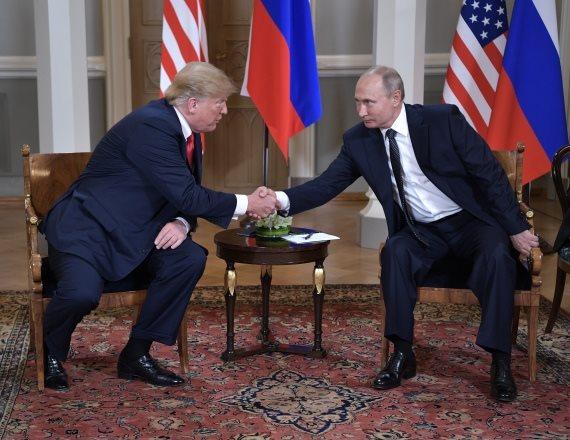 "נשיא ארה""ב דונלד טראמפ ונשיא רוסיה ולדימיר פוטין בהלסינקי"