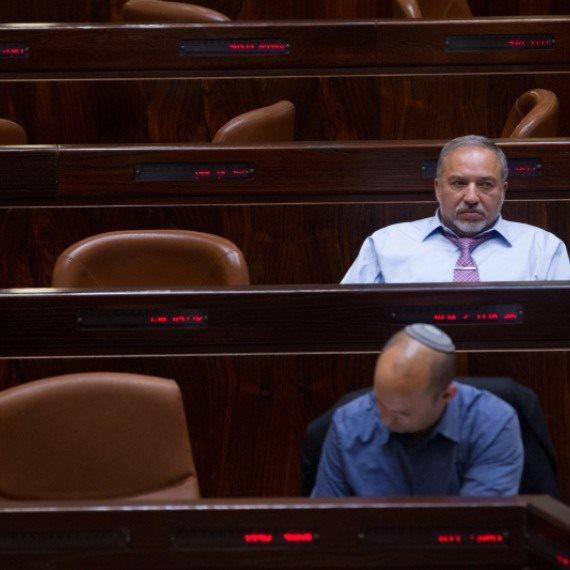 שר הביטחון אביגדור ליברמן ושר החינוך נפתלי בנט