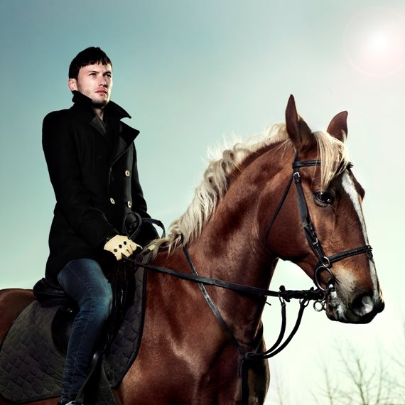 """ראית פעם סוס שמדרבן רוכב?"""