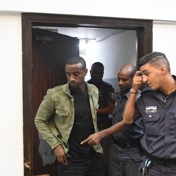יצחק אספה בעת הארכת מעצרו