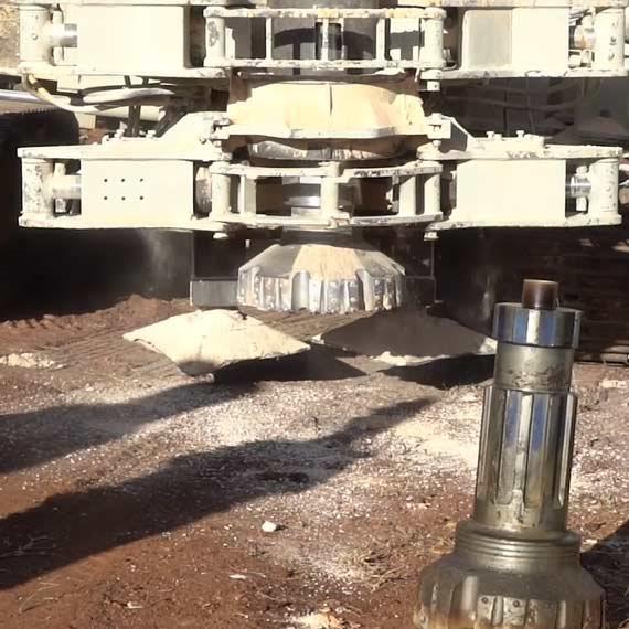 """כלים הנדסיים של צה""""ל בגבול לבנון"""