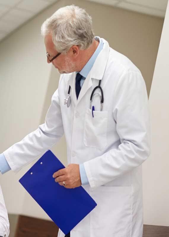 המציג אינו רופא