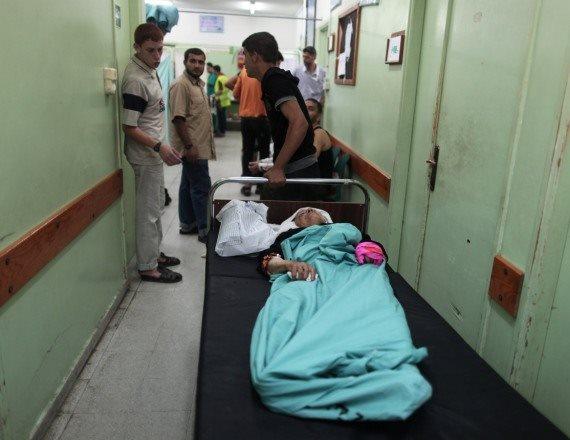 מיטות במסדרון בית החולים - אילוסטרציה (למצולמים אין קשר לכתבה)