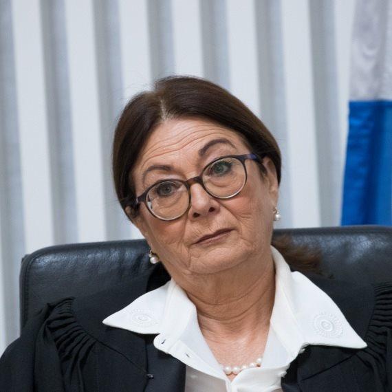 נשיאת בית המשפט העליון אסתר חיות