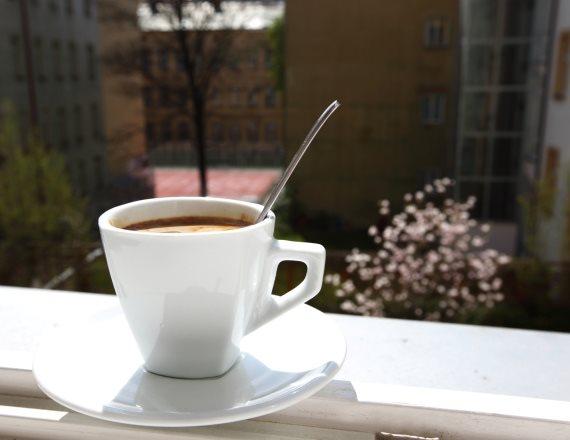 בעבור כוס קפה אחת