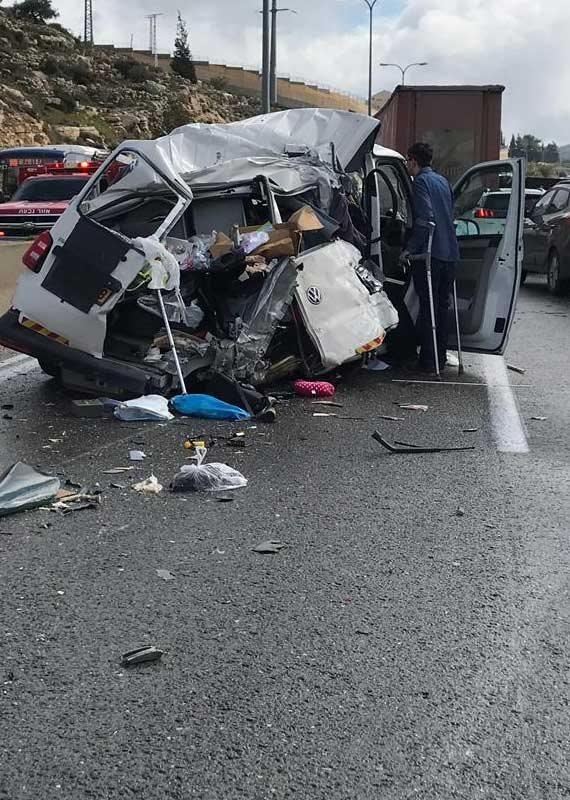 תאונת האוטובוס בכביש 443 - הרכב-שנפגע