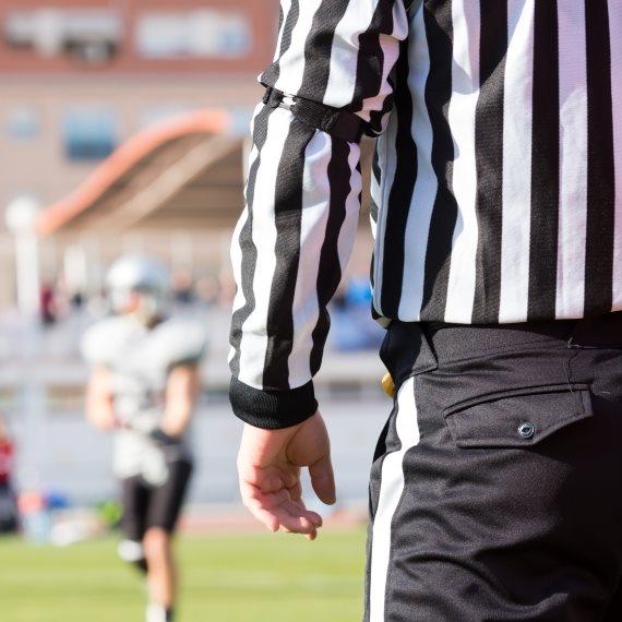 שופט כדורגל נעצר בחשד להטיית משחקי כדורגל
