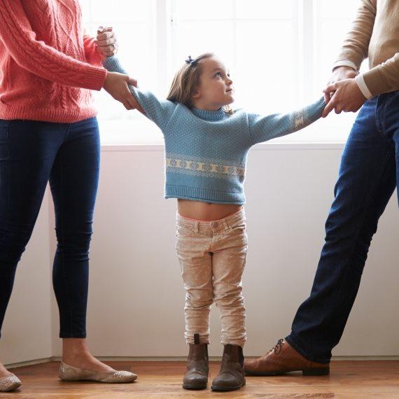 ילד שהוריו מתגרשים