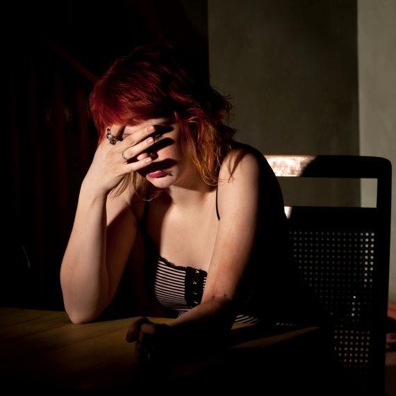 אישה יכולה להיות עצובה?