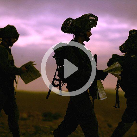 שבת עברית, שלושה חיילים