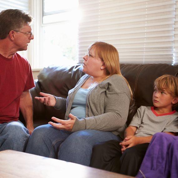 הורים מתווכחים
