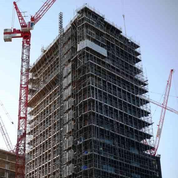 עניין עם פועלי בניין