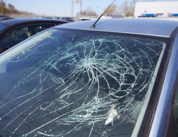 על איזה רקע התקיימה תאונת הדרכים הזו?