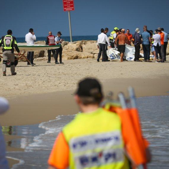 כוחות ההצלה בחוף הדולפינריום הבוקר (ג')