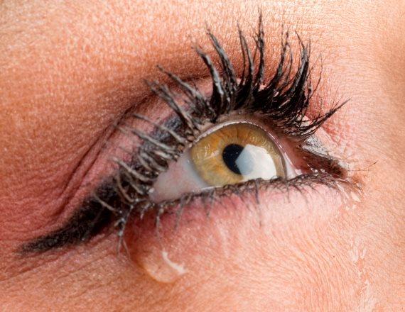 """""""העין שלי הפכה אדומה כמו עגבנייה"""""""