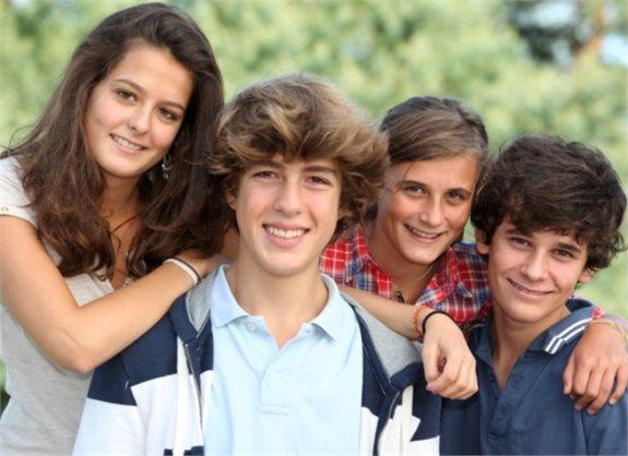 """""""החברים האמיתיים הם המשפחה שלנו"""""""