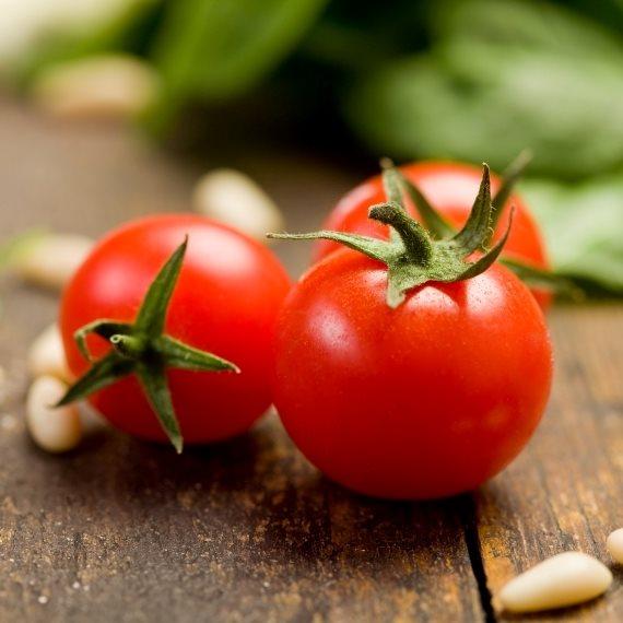 """""""הם יכולים להכניס לתוך העגבנייה ציאניד"""""""
