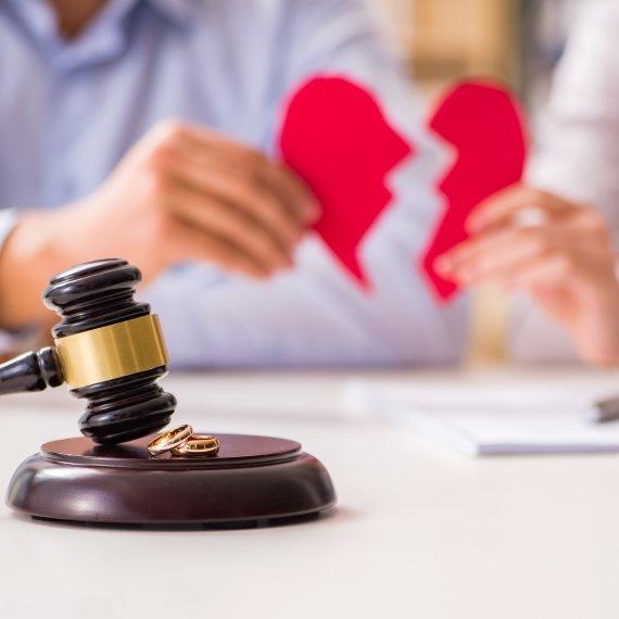 למה נשים מבוגרות רוצות להתגרש?