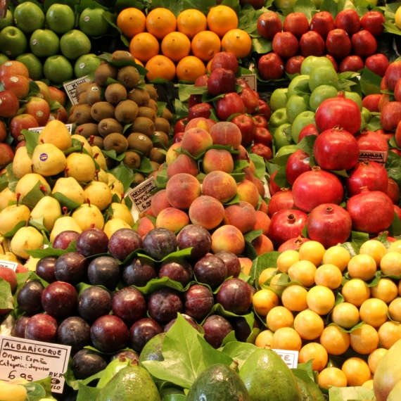 """""""בסוכרת אפשר לאכול כל פרי אם משלבים יחד איתו בארוחה חלבון כמו יוגורט או שומן כמו שקדים ואגוזים"""""""