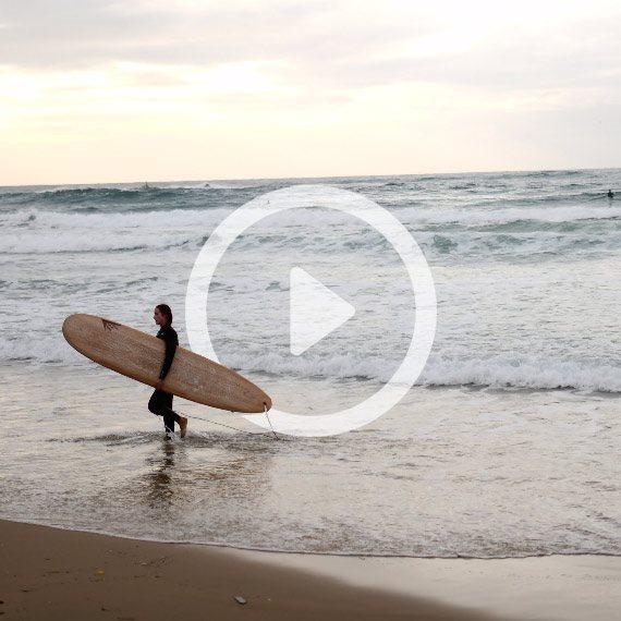 חורף בחוף הים בתל אביב