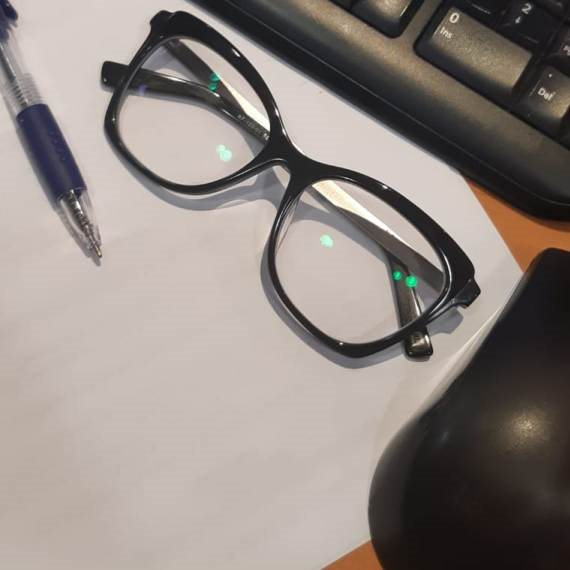 מתקנים את המשקפיים, גם מהבית