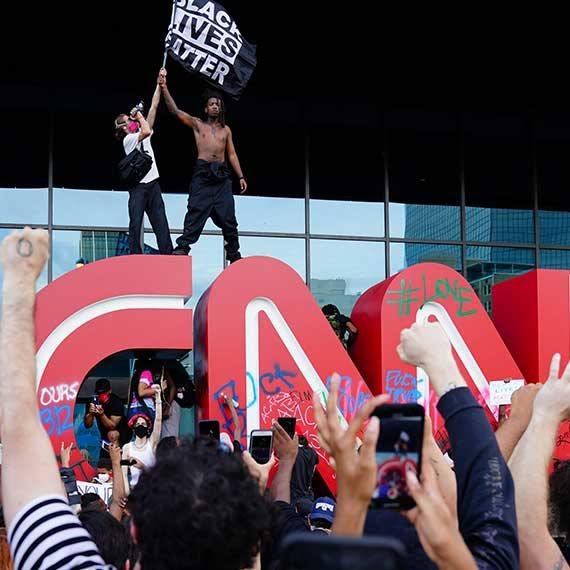 המחאה מחוץ למטה CNN באטלנטה, בסוף השבוע