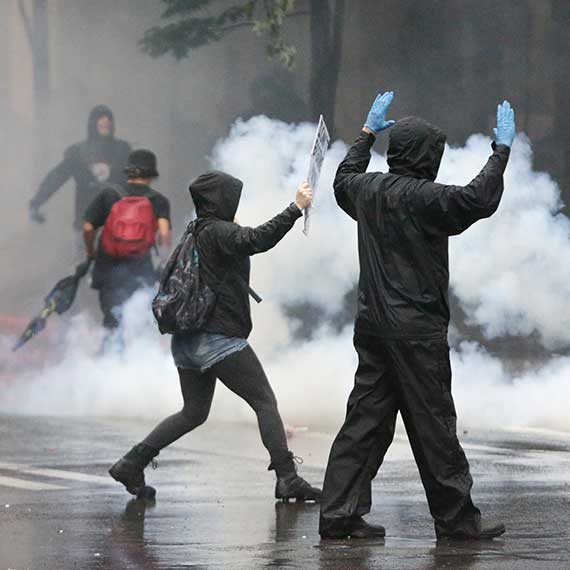 """""""המהומות יירגעו כי לא נשאר מה לבזוז"""""""