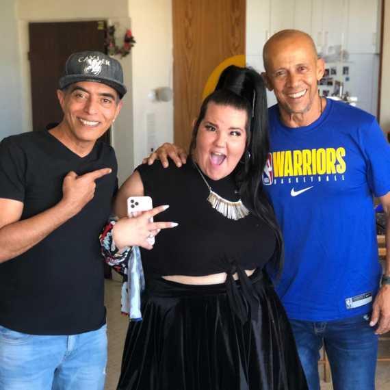 נטע ברזילי באולפן הבית של דידי הררי והרון הרון