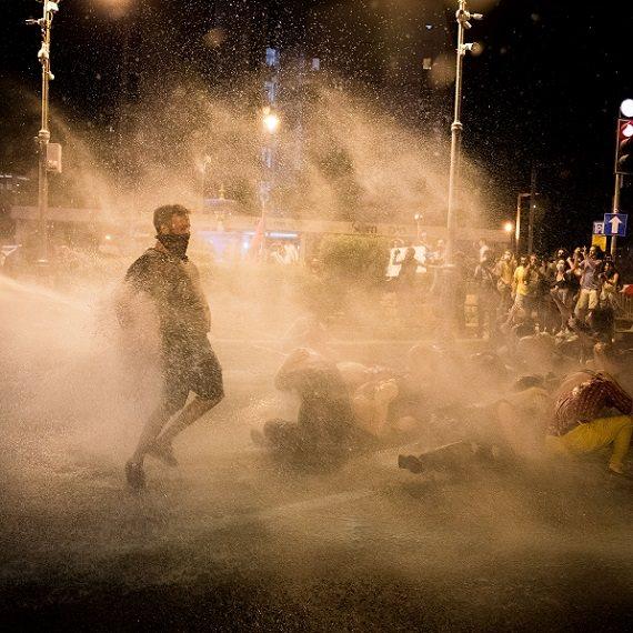 הפגנת המחאה שהפכה אלימה