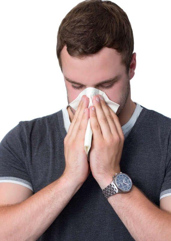 """פרופ' קרסו הרגיע את המאזין: """"סביר להניח שמדובר בתופעה אלרגית"""""""