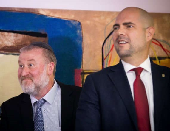 השר אמיר אוחנה והיועץ המשפטי לממשלה אביחי מנדלבליט