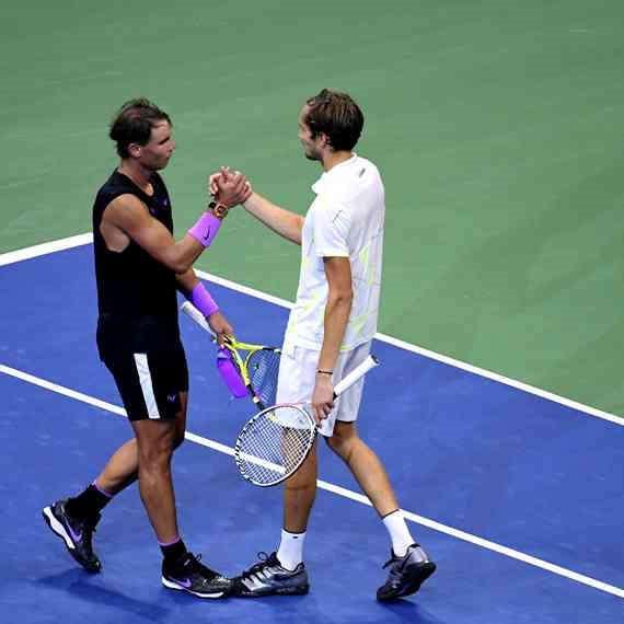 נאדל יודע לשחק טניס