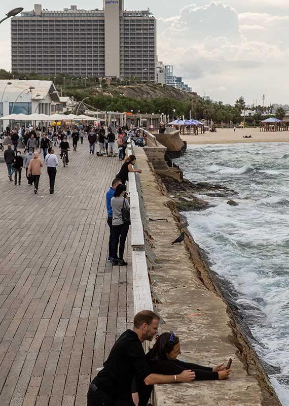 חוף בתל אביב, השבוע